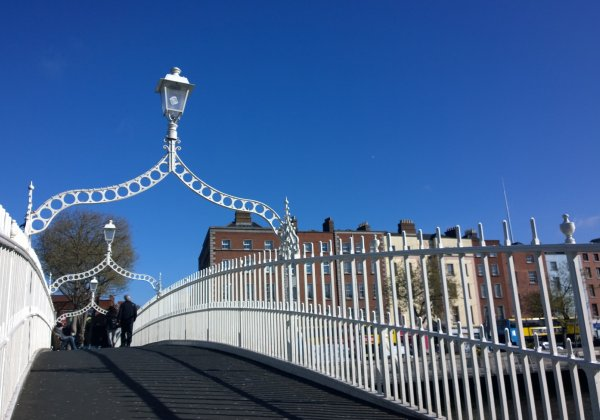 Pat Liddy's Walking Tours of Dublin 1. Dublin Highlights & Hidden Corners