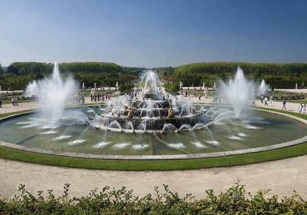 Royal Gardens of Versailles Tour from Paris