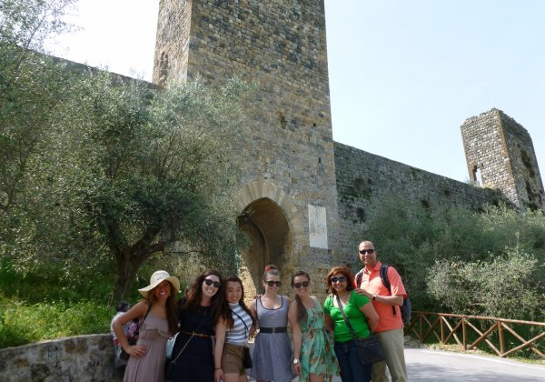 Tuscany on a Budget THE TUSCANY EXPERIENCE - Siena, San Gimignano, Monteriggioni & Chianti all in 1 day!