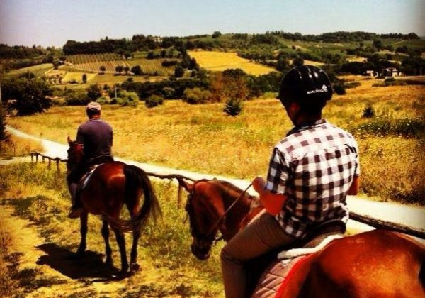 Tuscany on a Budget LET'S GO HORSEBACK RIDING IN TUSCANY